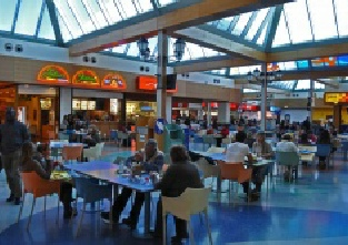 Algarve Shopping in Guia - first floor food hall
