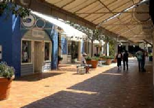 Algarve Shopping in Guia - fashionable shopping