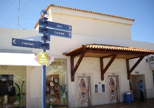 Algarve Shopping in Guia - popular handbag shops